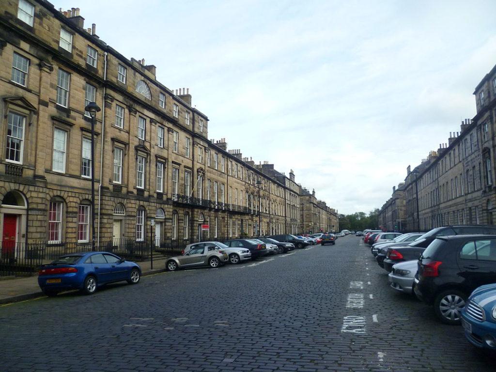 Edinburgh New Town - © Kim Traynor, CC BY-SA 3.0